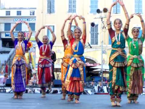 Fabuleux Spectacle musical et danse Indienne Indou India Alarippu - YouTube QT84