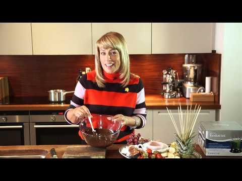 Fay Ripley's chocolate fondue - YouTube