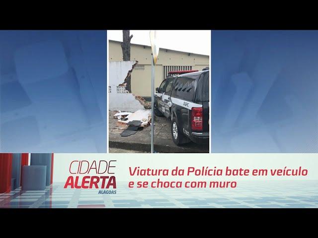Viatura da Polícia bate em veículo e se choca com muro do Quartel