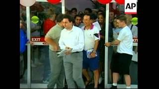 USA: MICROSOFT LAUNCH WINDOWS 98
