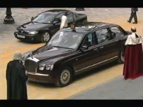 The Queen's Bentley State Limousine - its first official outing ...