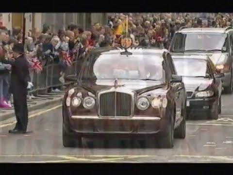 Queen Elizabeth Bentley State Limousine >> The Queen S Bentley State Limousine Its First Official Outing