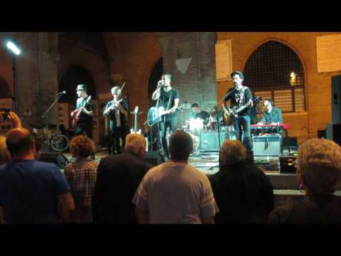 """MIAMI & THE GROOVERS """"Tears Are Falling Down/The King is Dead"""" Piazza Cavour Rimini 16/06/16"""