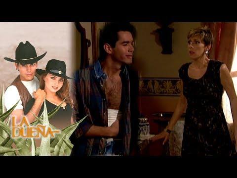 La Dueña capítulo 65: ¡Mauricio descubre a Laura robándole a Regina!   Tlnovelas thumbnail