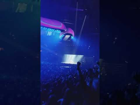 Lady Gaga Wins AMA Live in DC