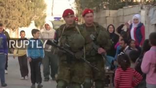 Военная полиция РФ сопровождает гумпомощь для жителей Восточной Гуты, Сирия