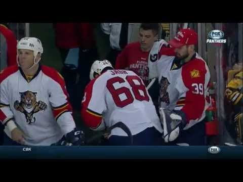 Gotta See It: Jagr's battle with Chara ends with hurt hand
