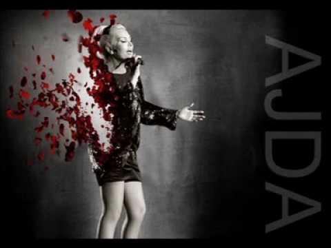 Ajda Pekkan - Yalnızlık Yolcusu mp3 indir