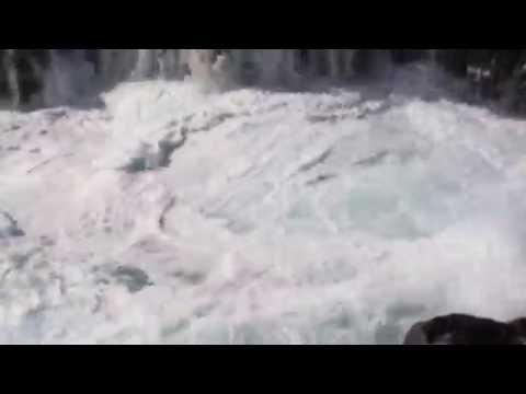 Near Drowning? Queens Bath, Kauai