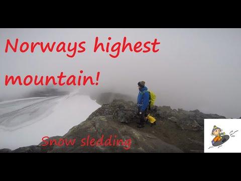 Norways highest mountain Galdhøpiggen from Spiterstulen 2016