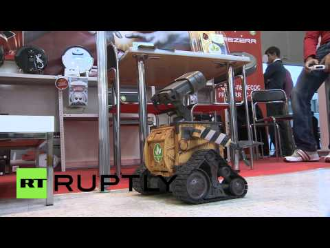 Russia: Robots rule first Moscow gadget festival