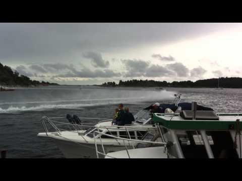 F2 offshore boat - Grimstad Powerboat show 2011
