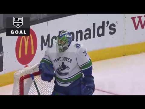 Anze Kopitar goal. Vancouver Canucks vs Los Angeles Kings 11/14/2017