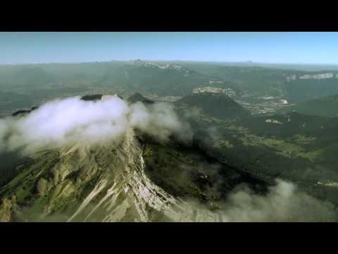 Grenoble, Les Montagnes Vues Du Ciel.