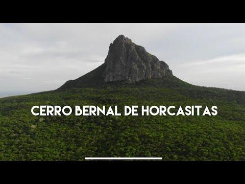 Subiendo el Cerro Bernal de Horcasitas, volcán extinto símbolo de Tamaulipas.