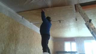 видео Как обшить потолок фанерой