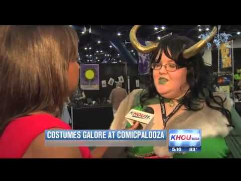 Colorful Comicpalooza fans fill Houston's George R. Brown Convention Center