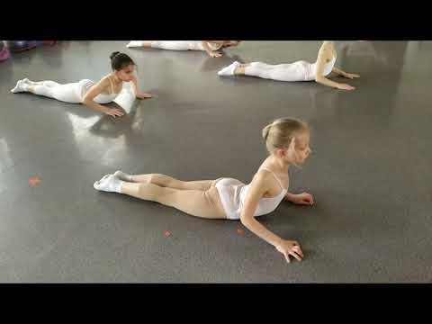 Арсальто, 3 класс. Урок современной хореографии. Разминка. Педагог Шварцман Светлана