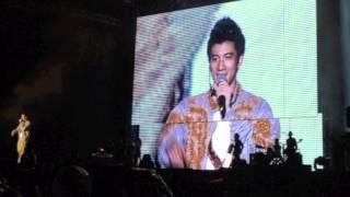 the scene behind Saya Cinta Padamu leehom 20120303 malaysia concert