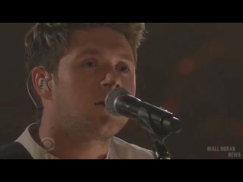 Niall Horan - This Town (Acoustic) | Late...