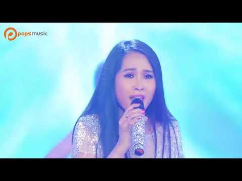 Minh Thư mặc sexy, nhảy tưng bừng khi hát 'Duyên phận' remix