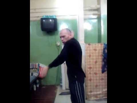 СИЗО-1 г.Ростова-на-Дону, Аркаша Сухарьян глумится над сокамерником!