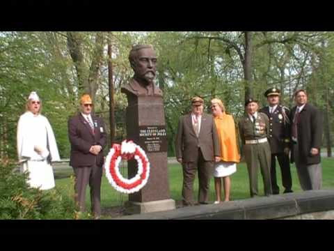 Polish Constitution Day - Cleveland - Wreath at Sienkiewicz Statue