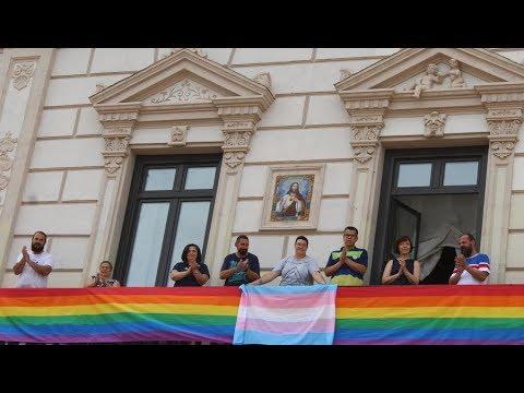 La Bandera LGTBI En El Ayuntamiento