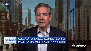 Auto sales see slowdown for first time since 2014