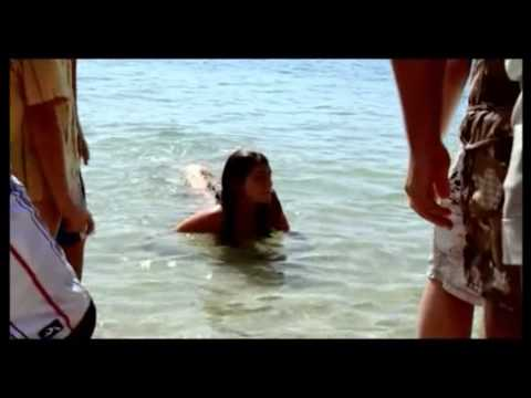 H2O - People find out Cleo is a mermaid