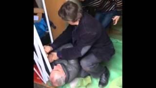 Врач ортодонт Матвеев В.М избивает Куликова Н.С(, 2016-03-12T09:14:05.000Z)