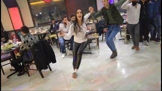 شوف البنت اللبنانية بس تمسك الدبكة وتنزل عالأول😍شاهد ماذا تفعلDabke Lebanese Girl