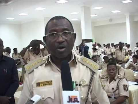 Nigeria Immigration to Sack Erring Officers