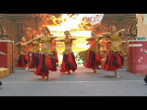 chinese traditional dance 🩰 in Mall