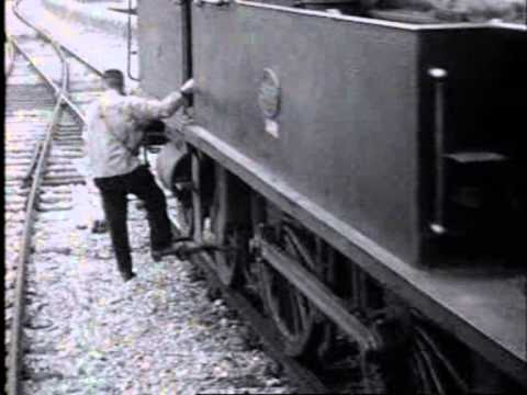 1923: Nieuw spoorwegviaduct tussen Amsterdam Centraal Station & Haarlemmerplein - oude filmbeelden