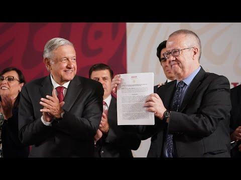 Firma del acuerdo con instituciones bancarias para refinanciar deuda de Pemex. Conferencia AMLO