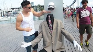 INVISIBLE MAN MAGIC TRICK