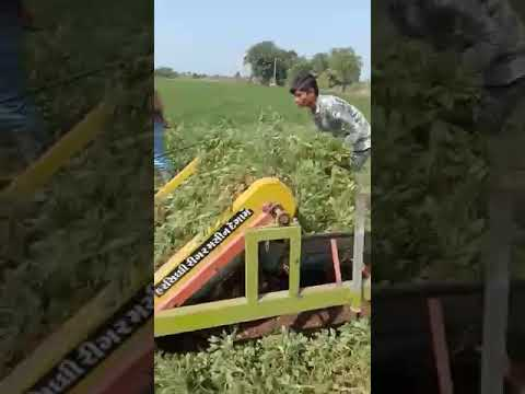 #Latest agriculture technology for uprooting groundnut from soil #Innovation #jay garvi gujarat