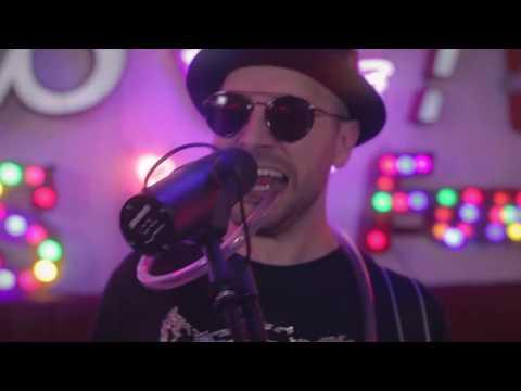 Azz - Bad Vibes (Live)