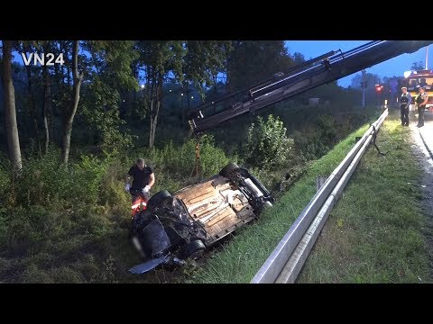 08.09.2019 - VN24 - PKW Rast In Kurve Geradeaus In Den Wald