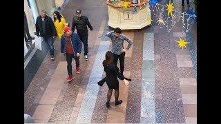 Чеченская Лезгинка В ЦУМе 2019 Девушка Танцует Божественно ALISHKA (Москва)
