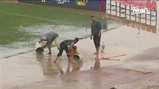 شاهد.. الأمطار تغرق ملعب عمان الدولي