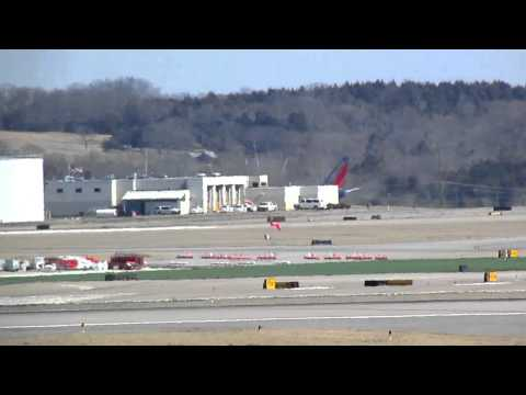 Spotting at Nashville Intl. Airport 2-24-13