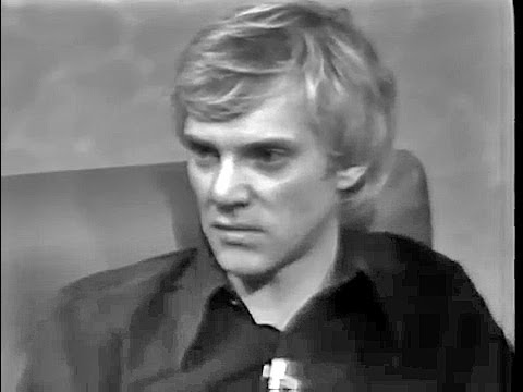 Malcolm McDowell 1975