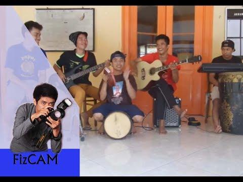 cover lagu Anugerah Terindah Yang Pernah Kumiliki-By Ro1 band v2