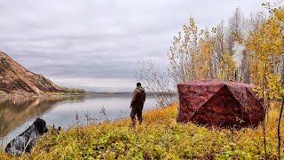 ПЕРВЫЙ ЛЁД близко! Две ночи на реке . Рыбалка на закидушки и спиннинг .РЫБАЛКА С НОЧЁВКОЙ!