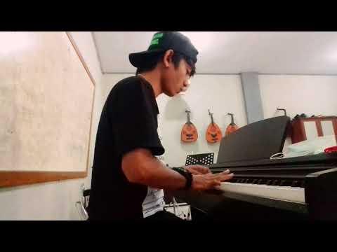 ( Kado Ultah)  Piano Cover by aditya