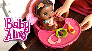 Baby Alive Super Snackin' Lily Doll Unboxing and Feeding!