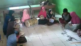 Marawis madrasah ibtidaiyah mathlaul'anwar kepuh