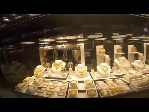 Tons of gold - gold souk dubai - So much gold that you feel sick - Dubai gold market